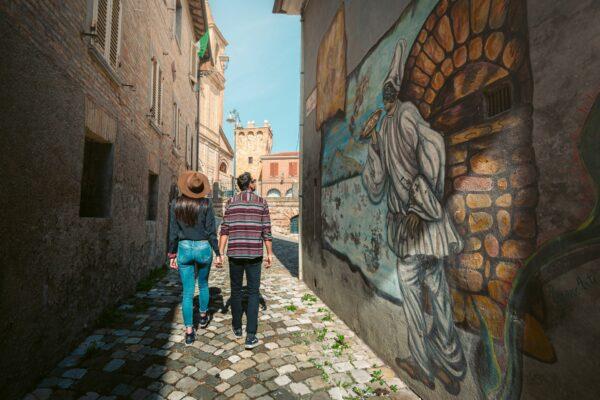 street-art- coppia-saludecio